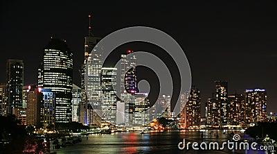 Horizon de ville de Brisbane la nuit