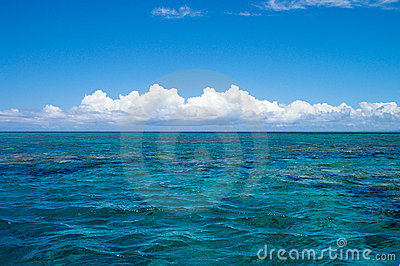 Horizon in the pacific