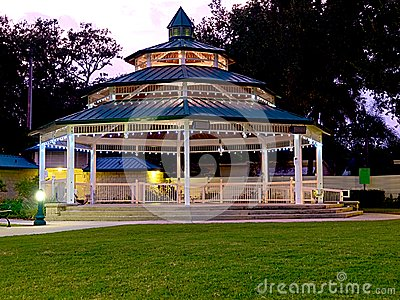 Horizontal HDR gazebo