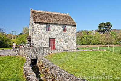 Horizontal Mill in Bunratty Folk Park - Ireland.