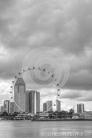 Horizonte de Singapur que ofrece el aviador de Singapur Fotografía editorial