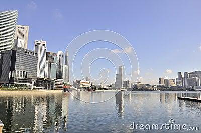 Horizonte y bahía de Singapur Fotografía editorial