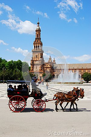 Free Horse Drawn Carriage, Plaza De Espana. Royalty Free Stock Photo - 49361515