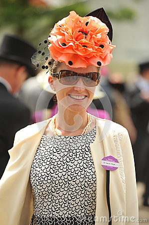 Free Horse Racing,Ladies Day At Ascot Stock Photo - 25479110
