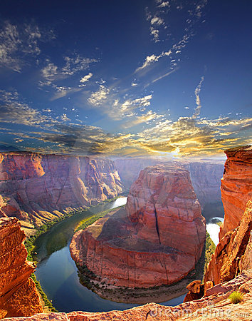 Free Horse Shoe Bend Royalty Free Stock Photo - 12403865