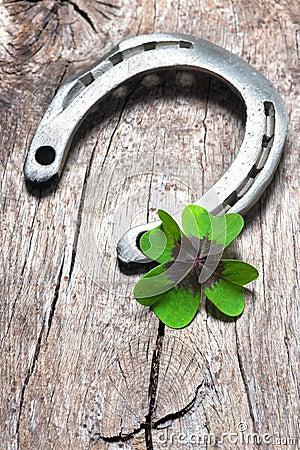 Free Horseshoe With A Shamrock Stock Images - 55095554