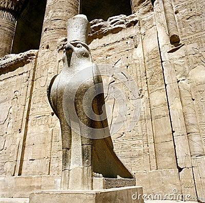 Horus statue at the Horus Temple in Edfu/Idfoe