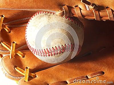 Horyzontalna baseball mitenka