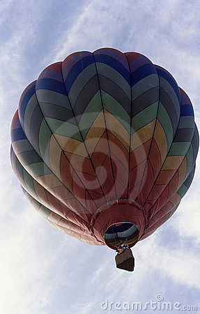 Free Hot Air Balloon Ascending Royalty Free Stock Images - 6432859