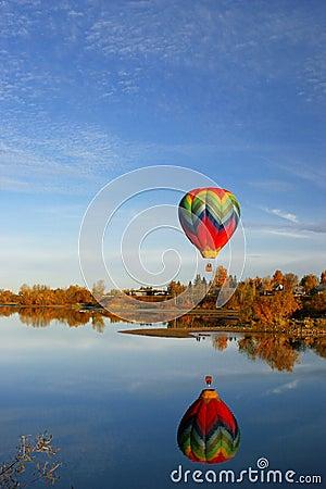 Free Hot Air Balloon Over Lake Stock Photography - 1748622