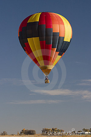 Free Hot Air Balloon Over Prairie Stock Images - 22468924