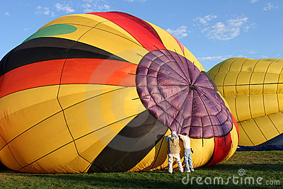 Hot air balloon - preparing for flight