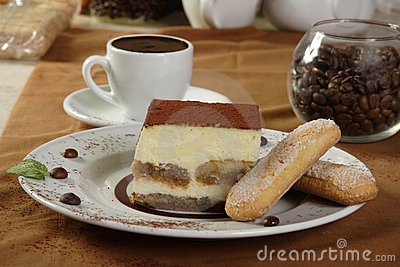 Hot chocolate and tiramisu