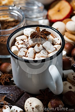Free Hot Chocolate With Marshmallows And Sweets, Vertical Closeup Royalty Free Stock Photography - 103944747