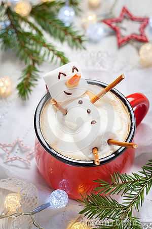 Free Hot Chocolate With Melted Marshmallow Snowman Stock Image - 79289061