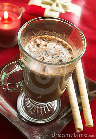 Hot cocoa with cookies