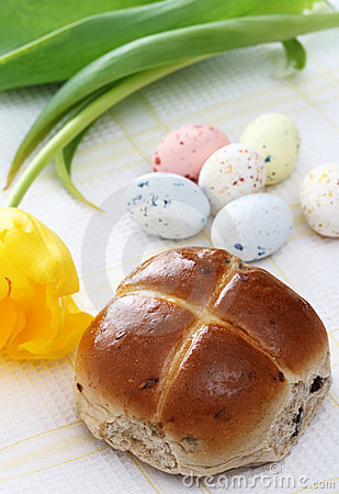 Hot cross bun, Speckled easter eggs tulip