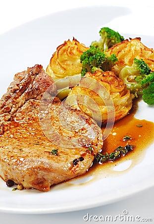 Hot Meat Dishes - Bone-in Pork Brisket