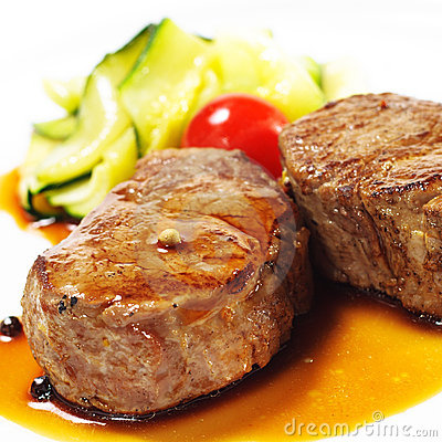 Free Hot Meat Dishes - Veal Medallions Royalty Free Stock Images - 10919029