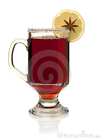 Hot mulled wine with lemon slice and anise