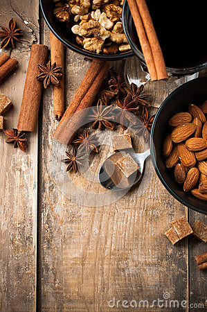 Hot mulled wine, spices and nuts