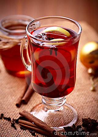 Hot tea with lemon and spices