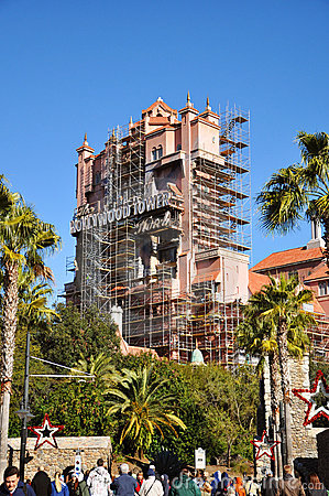 Hotel da torre de Hollywood no mundo de Disney Imagem Editorial