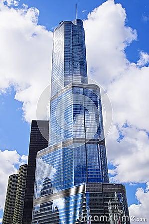Hotel internacional y torre (Chicago) del triunfo Fotografía editorial