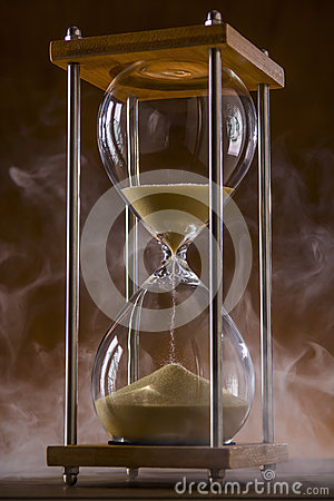 Free Hourglass And Smoke Royalty Free Stock Photography - 55041387