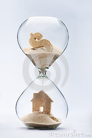 Free Hourglass House Mortgage Concept Stock Images - 59546254