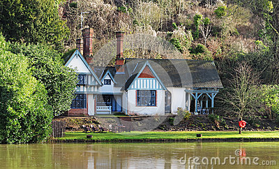 House on the banks of the River Thames