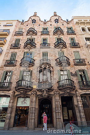Free House Facade Casa Calvet, Designed By Antonio Gaudi. Barcelona, Spain. Royalty Free Stock Images - 84876759