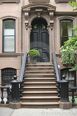 Free House Front Door Stock Image - 5924191