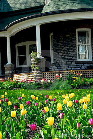 Free House In Spring Royalty Free Stock Image - 1621976