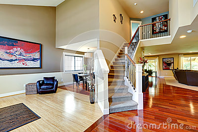 House interior hallway with classic staircase stock photo - Couloir avec escalier ...