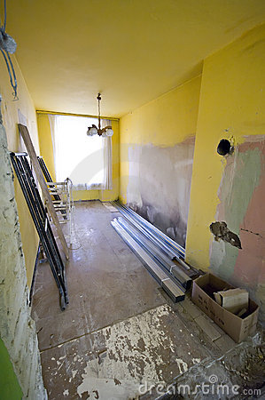 Free House Neeeding Renovation Stock Photos - 5177683