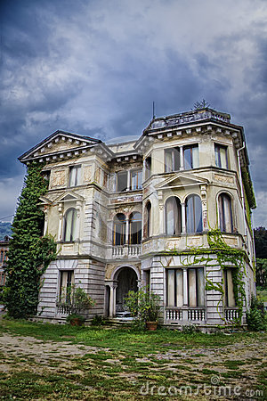 Free House On Haunted Hill Stock Image - 26276141