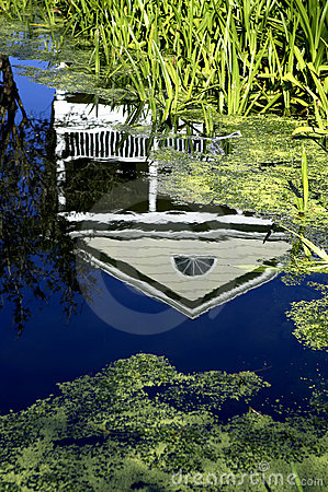 Free House Reflected In Water Celebration Florida United States Usa Royalty Free Stock Image - 206266