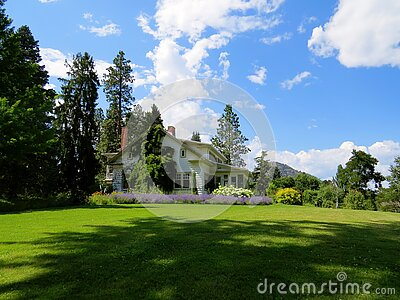 House Surrounded By Green Grass Below Clouds And Sky Free Public Domain Cc0 Image