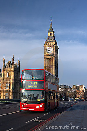 Free Houses Of Parliament With Red Bus In London Royalty Free Stock Photos - 7919118
