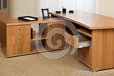 Houten bureau stock fotografie afbeelding 11806282 - Houten bureau voor kinderen ...
