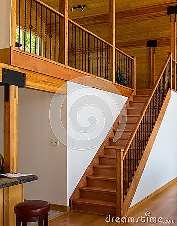 Houten trap die tot de zolder leiden royalty vrije stock afbeeldingen afbeelding 33652209 - Trap toegang tot zolder ...
