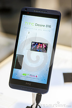 HTC DESIRE 816, MOBILE WORLD CONGRESS 2014 Editorial Stock Image