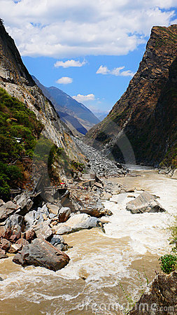 Hu tiao (tiger leaping) gorge