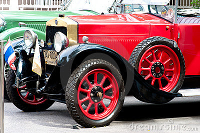 Hua Hin Vintage Car Parade  2011 Editorial Image