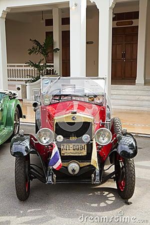 Free Hua Hin Vintage Car Parade 2011 Royalty Free Stock Photo - 24782815