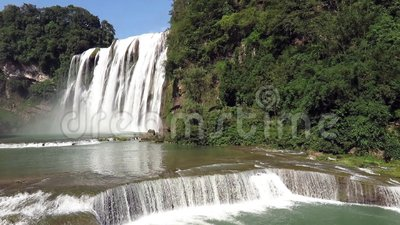 Huangguoshuwaterval (de Watervallen van de geel-Fruitboom) stock footage