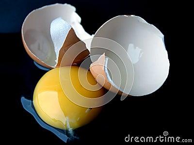 Huevo quebrado II