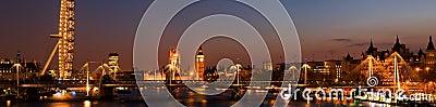 HUGE-Westminster at night.(London)