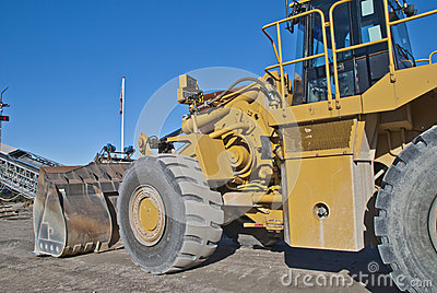 Huge wheel loader on brekke quarries